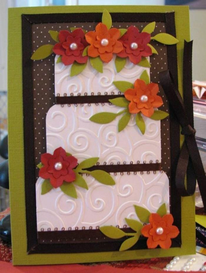 Cartolina con bordo verde, disegno di fiori, come scrivere un biglietto di auguri