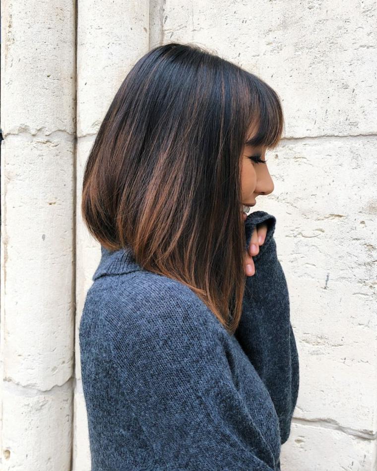 Taglio capelli caschetto asimmetrico, colorazione castano ombrè