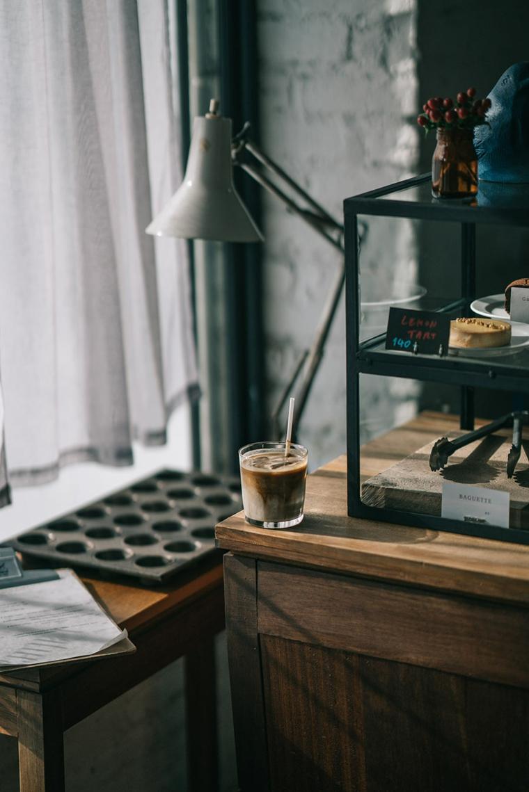 Buongiorno frasi e immagini, caffè con latte, colazione al mattino