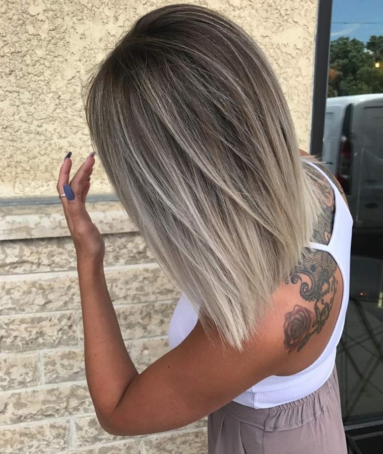 Schiarente capelli, taglio capelli long bob, colore biondo ghiaccio