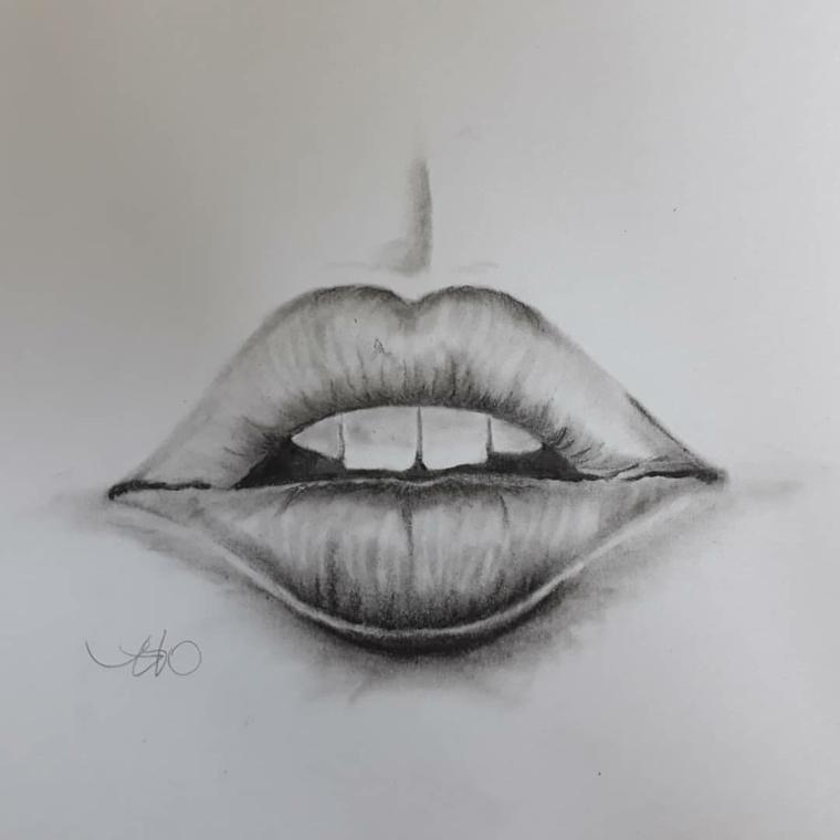 Schizzo di una bocca, abbozzo di labbra, disegnare con la matita