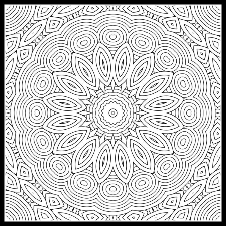 Mandala difficile da colore, disegni di petali, figure forme geometriche