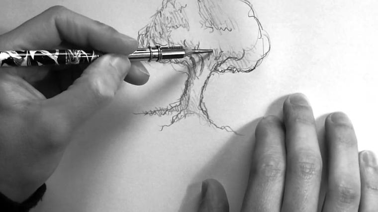 Disegnare con la matita, chiaro scuro con matita, abbozzo di un albero