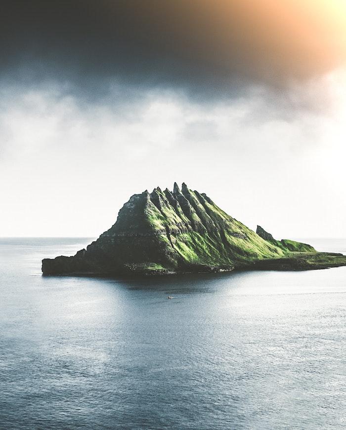 Fotografia di un'isola, idea wallpaper per il computer