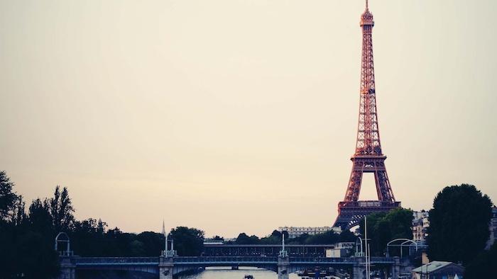 La Tour Eiffel di Parigi, sfondi tumblr, fotografia di una città