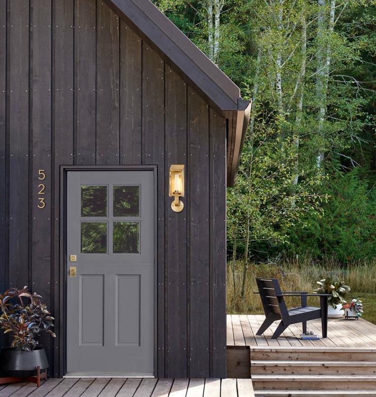 Foto di buongiorno, casa di legno, veranda con sedia