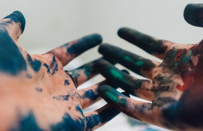 Wallpaper tumblr, mani donna colorati, colori sulle mani