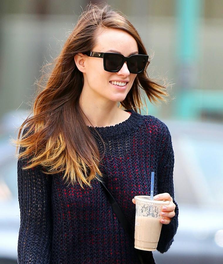 L'attrice Olivia Wild, colorazione capelli ombrè, schiarire i capelli con la camomilla