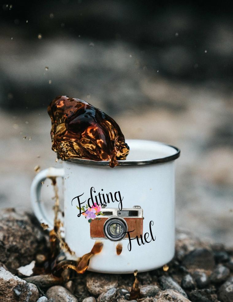 Tazza di metallo, scritta colorata, tazzina di caffè