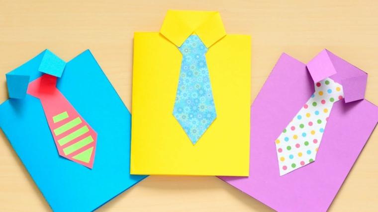 Scatola regalo di carta, fogli di carta colorati, camicia di carta colorata