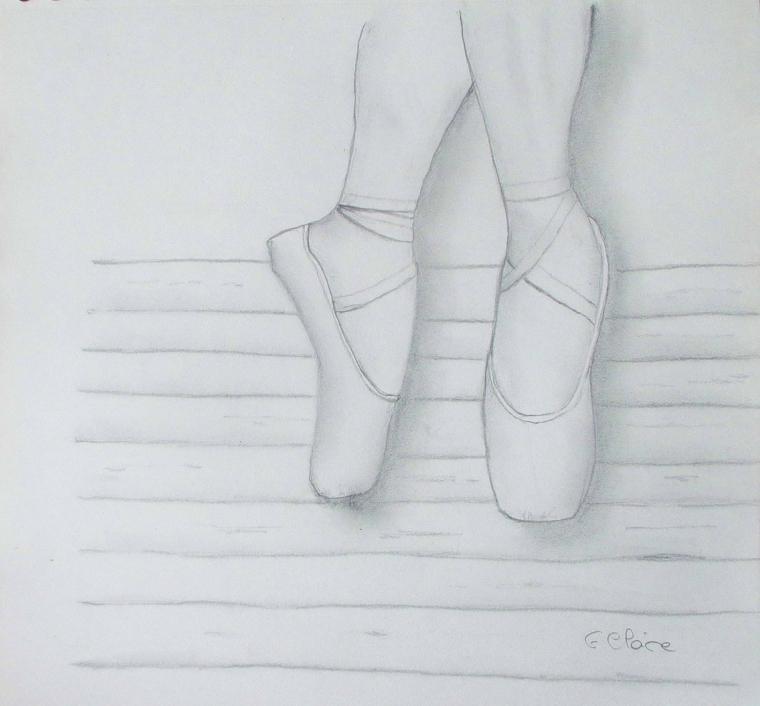 Scarpette da ballerina, disegni a matita facili, abbozzo su foglio bianco
