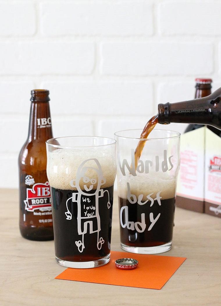 Bicchieri di vetro, bottiglia di birra, lavoretti festa del papà, bicchiere con scritta