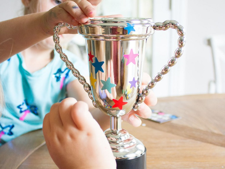 Festa del papà lavoretti, trofeo di metallo, decorazione con stelle