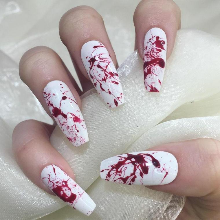Smalto effetto marmo, base smalto bianco, unghie forma quadrata