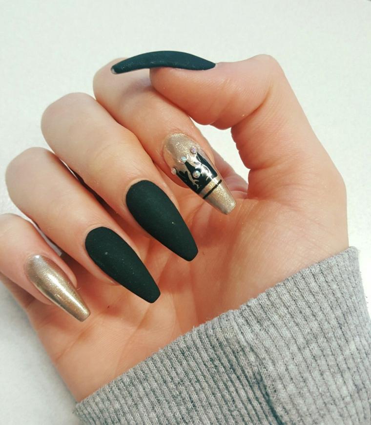 Smalto nero sugar, unghie ballerina, disegni sulle unghie