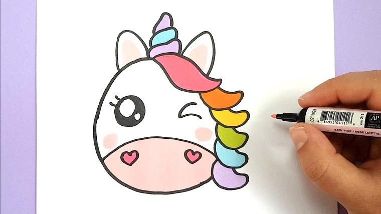 Disegno con pennarello, disegno di un unicorno, colorare con pennarello