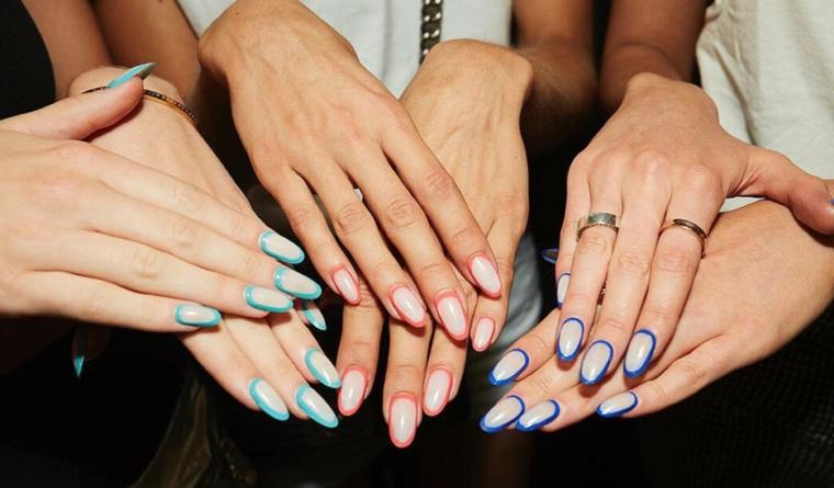 Manicure con bordi colorati, unghie a mandorla, colori estivi unghie, le mani di tre donne