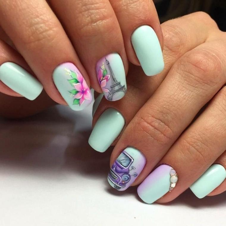 Unghie bellissime con disegni, disegni di fiori, smalto acrilico di colore azzurro