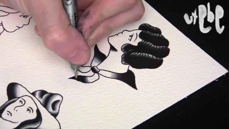 Tatuaggi tradizionali, disegno con penna a sfera, disegno di una donna per tattoo