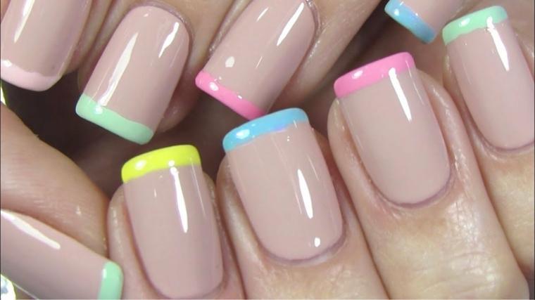 French manicure colorata, unghie forma squadrata, unghie color pastello