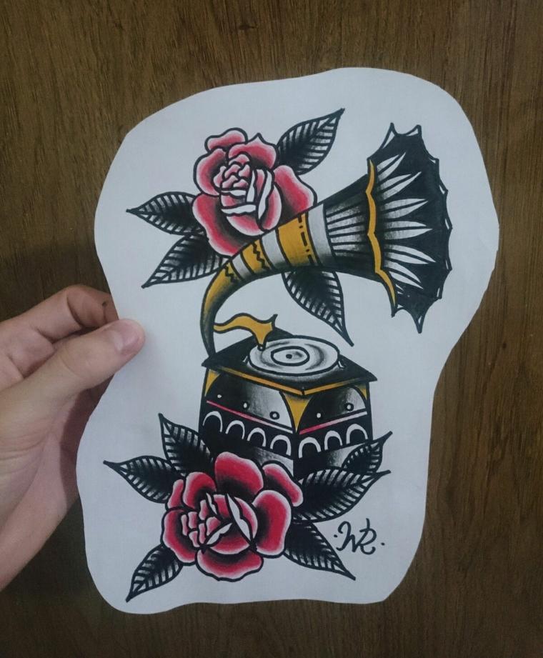 Disegno strumento musicale, disegno rose rosse, tatuaggi old school