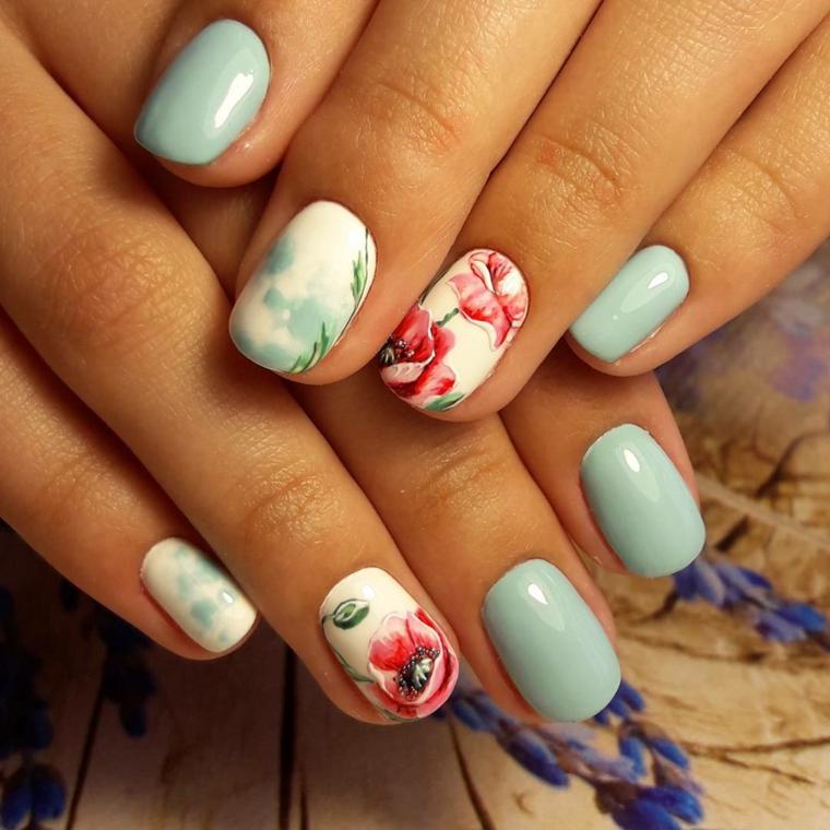 Disegno fiore sull'unghia, manicure forma arrotondata, unghie color pastello