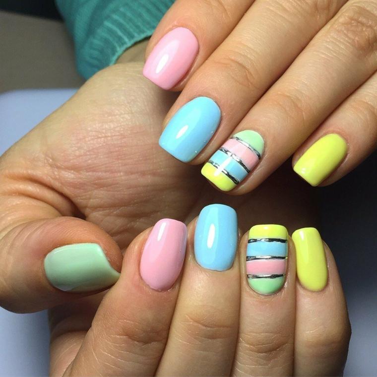Forme unghie gel squadrate, colori pastello estivi, disegni sull'unghia anulare