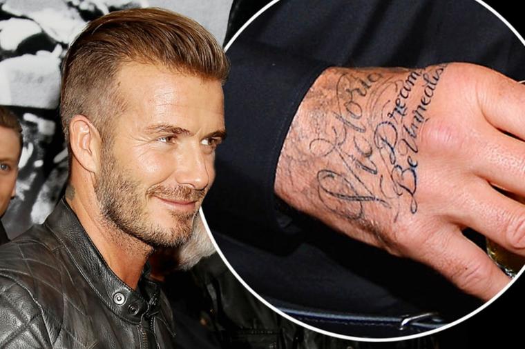 Il tattoo di David Beckham, tatuaggio sulla mano, tattoo nome Victoria