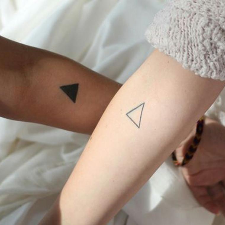 Tatuaggio con simboli, tatuaggio sull'avambraccio, tatuaggi da fare insieme