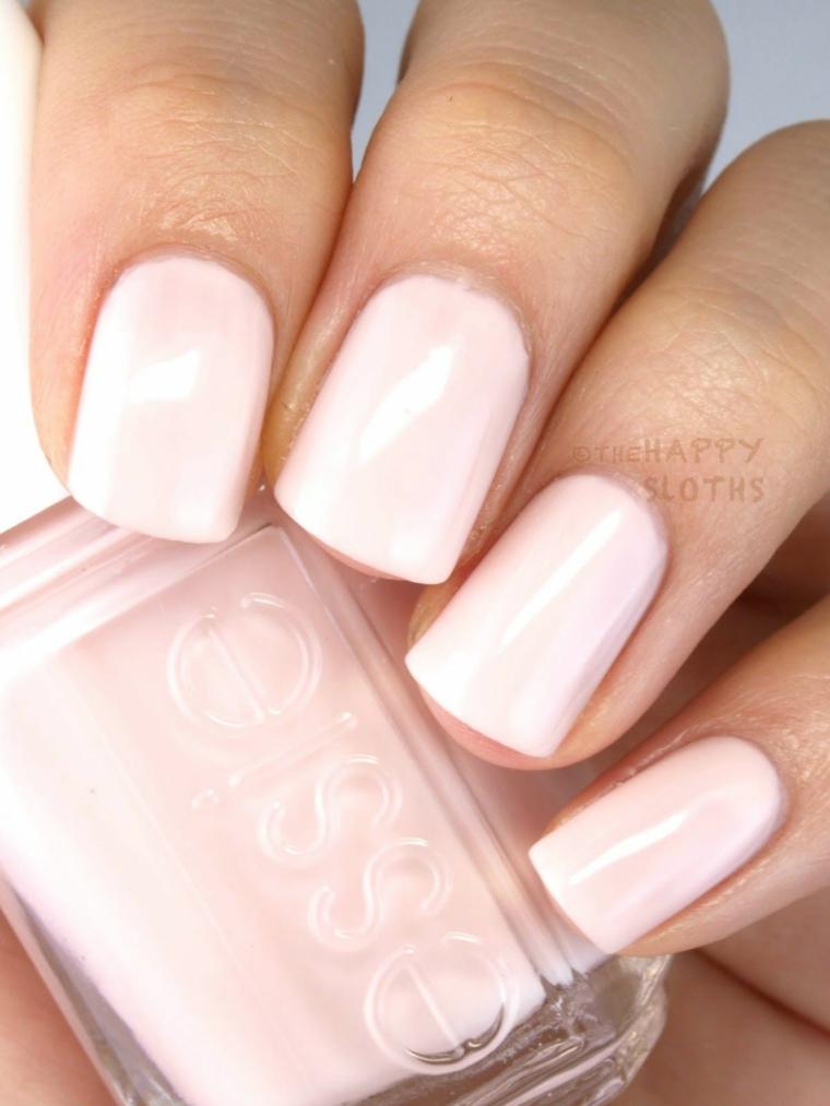 Smalto rosa Essie, unghie corte squadrate, manicure smalto acrilico