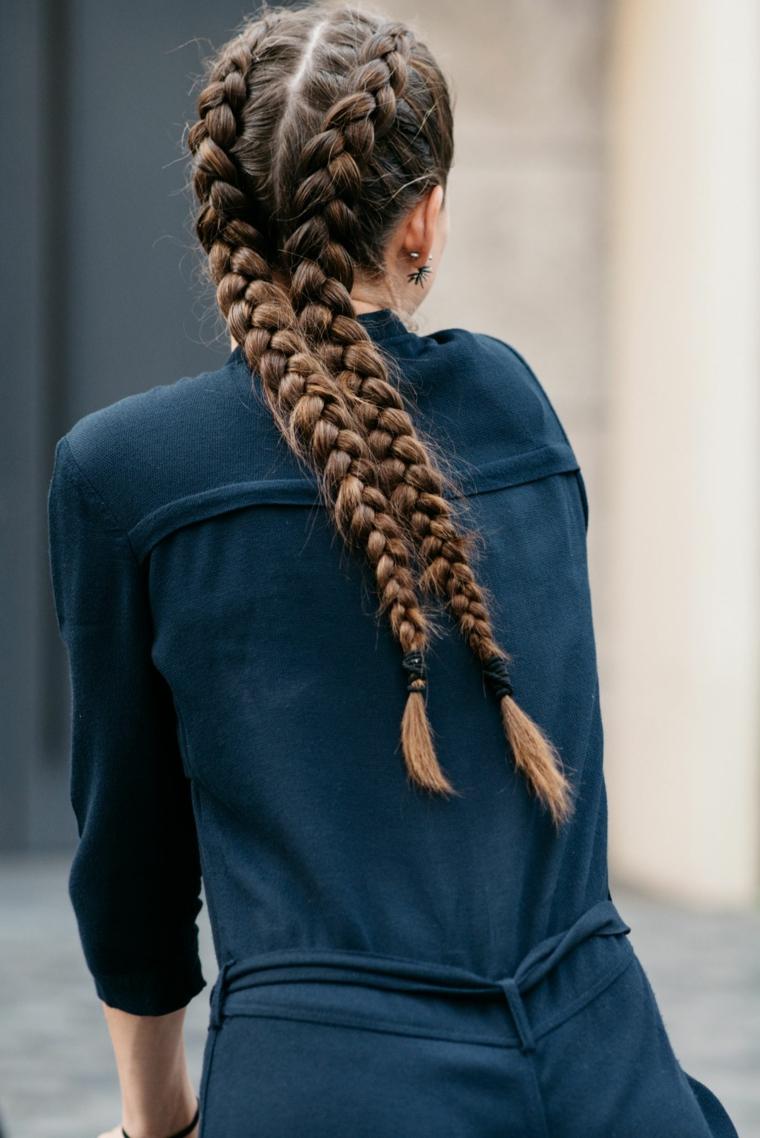 Due trecce boxer, capelli lunghi castani, acconciature capelli lunghi raccolti