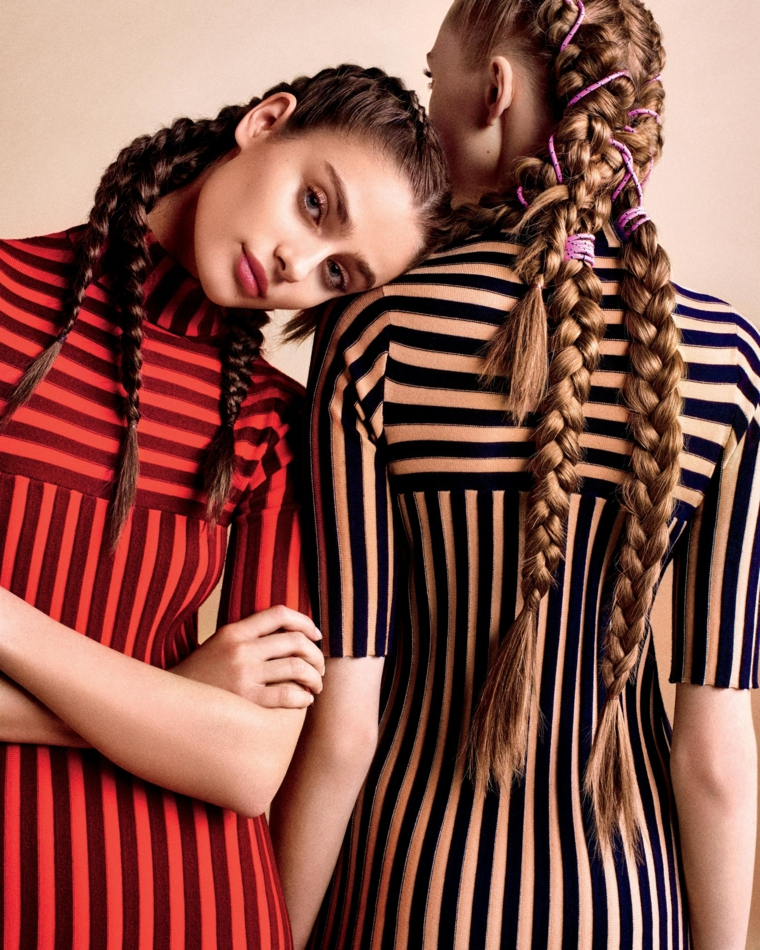Due ragazze con capelli lunghi, pettinature con trecce, acconciature bellissime, due trecce alla francese