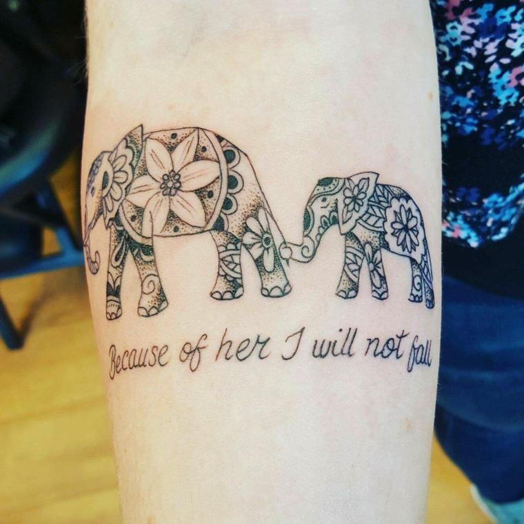 Disegno elefanti come tattoo, tattoo motivi mandala, tatuaggi bellissimi, tatuaggio sull'avambraccio