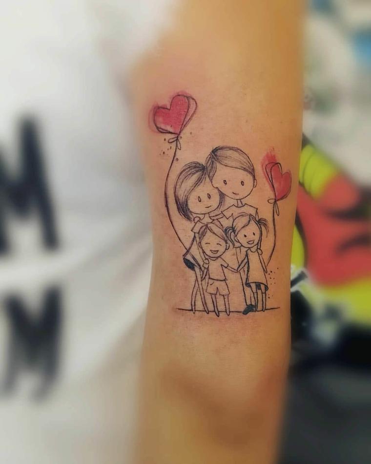 Tatuaggi femminili eleganti, tattoo famiglia, tatuaggio sul braccio, tattoo femminile colorato