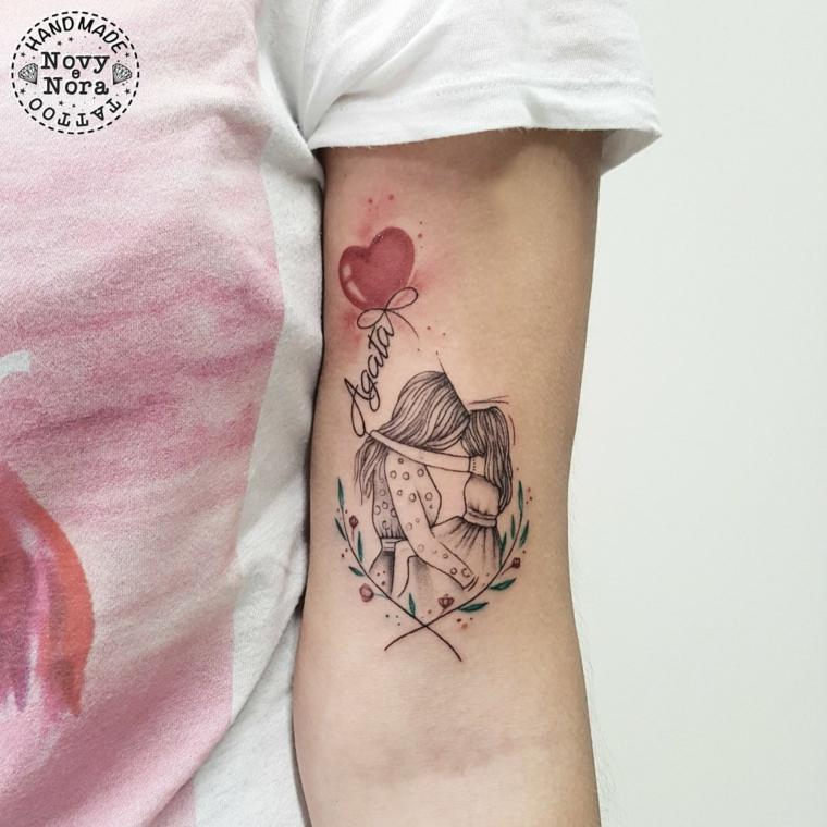 Tatuaggi bellissimi, tattoo sul braccio, tatuaggio per mamma e figlia, scritta nome figlia