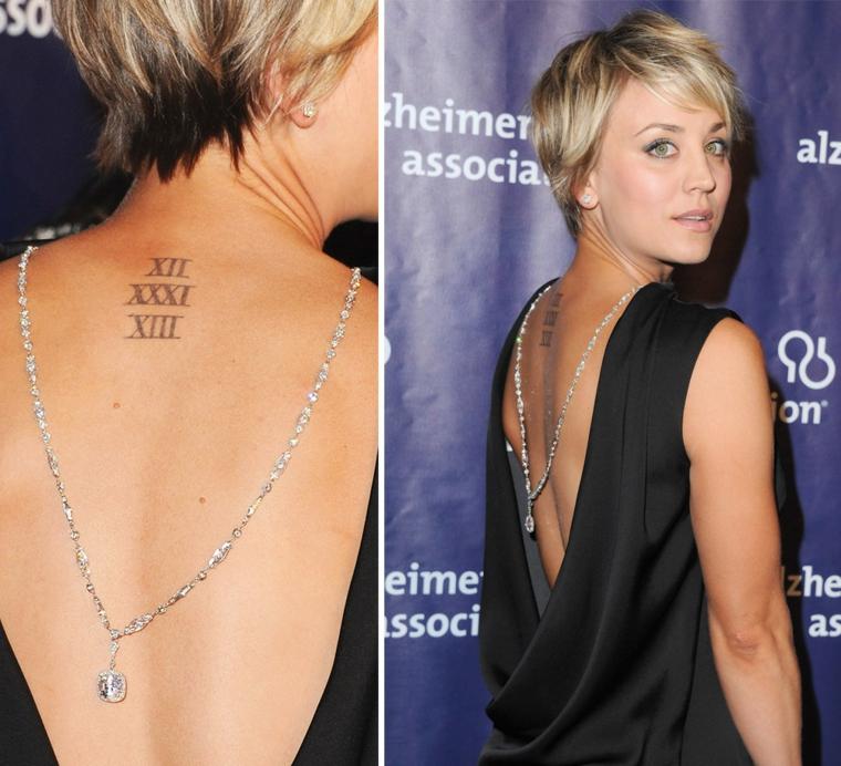 Tattoo numeri romani, tatuaggio sulla schiena, l'attrice Kaley Cuoco