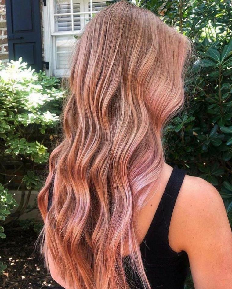 Shatush rosa, taglio capelli lunghi, ragazza girata di spalle, acconciatura onde morbide