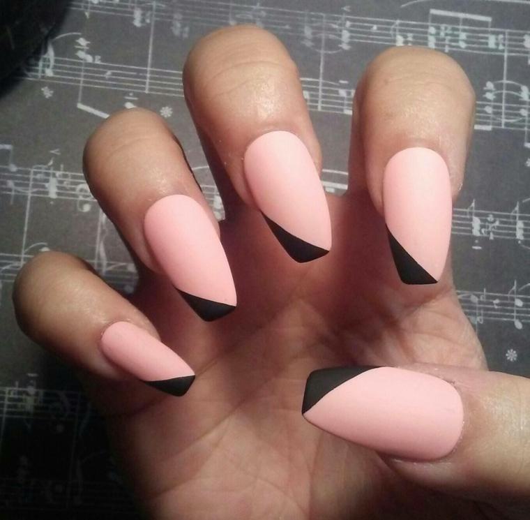 Smalto rosa e nero, unghie forma coffin, immagini di unghie decorate