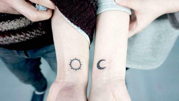 Tatuaggi da fare insieme, tattoo sul polso, disegno sole e luna, tatuaggi piccoli