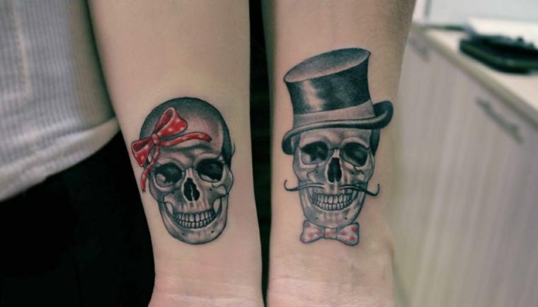 Tatuaggio sul polso, disegno tattoo teschio, tatuaggi di coppia