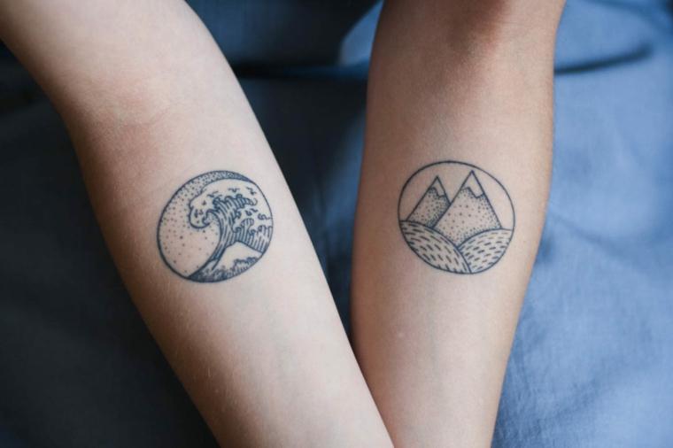 Tatuaggi di coppia, tattoo sull'avambraccio, disegno tattoo montagne, tattoo cerchio con onda mare