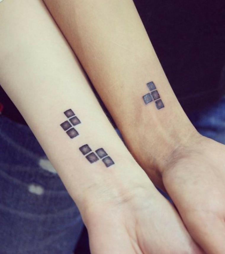 Disegno tattoo cubi di tetris, tatuaggi per lui e lei, tattoo diviso in due