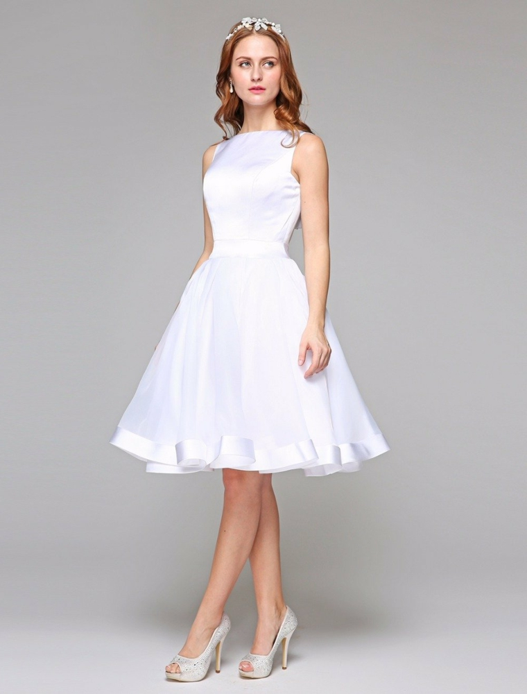 Abiti da sposa in pizzo, vestito a ruota, decorazioni capelli con cerchietto, gonna in tulle bianco