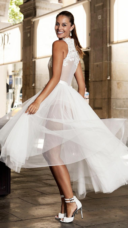Gonna abito in tulle, bustino in tulle, abiti da sposa in pizzo, scarpe con cinturino