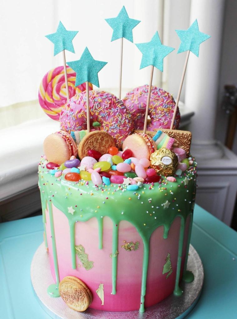 Topper torta stelle, torta compleanno bimba, torta decorata con ciambelle, decorazioni con caramelle