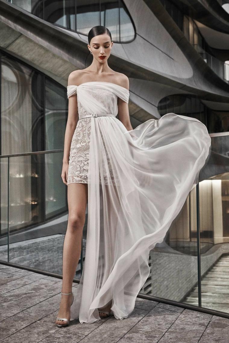 Abiti da sposa principeschi, vestito da sposa con strascico, gonna con ricami, sposa con capelli raccolti