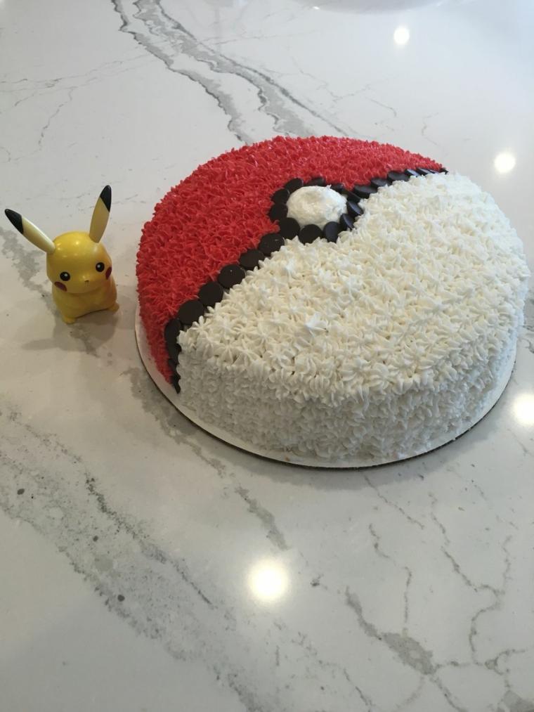 Torta di compleanno Pokemon, torte di compleanno maschili, torta rotonda con crema