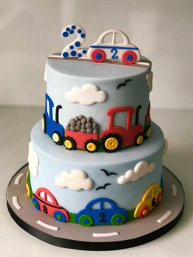 Torte di compleanno per bambini maschi, torta a due piani, decorazione torta con macchine
