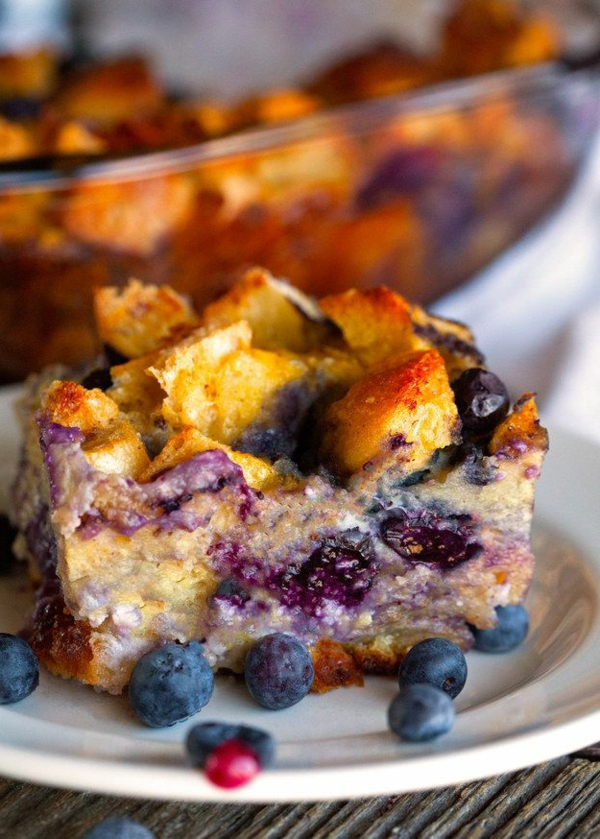 Torta ai mirtilli, sfornato dolce per colazione, piatto per il brunch