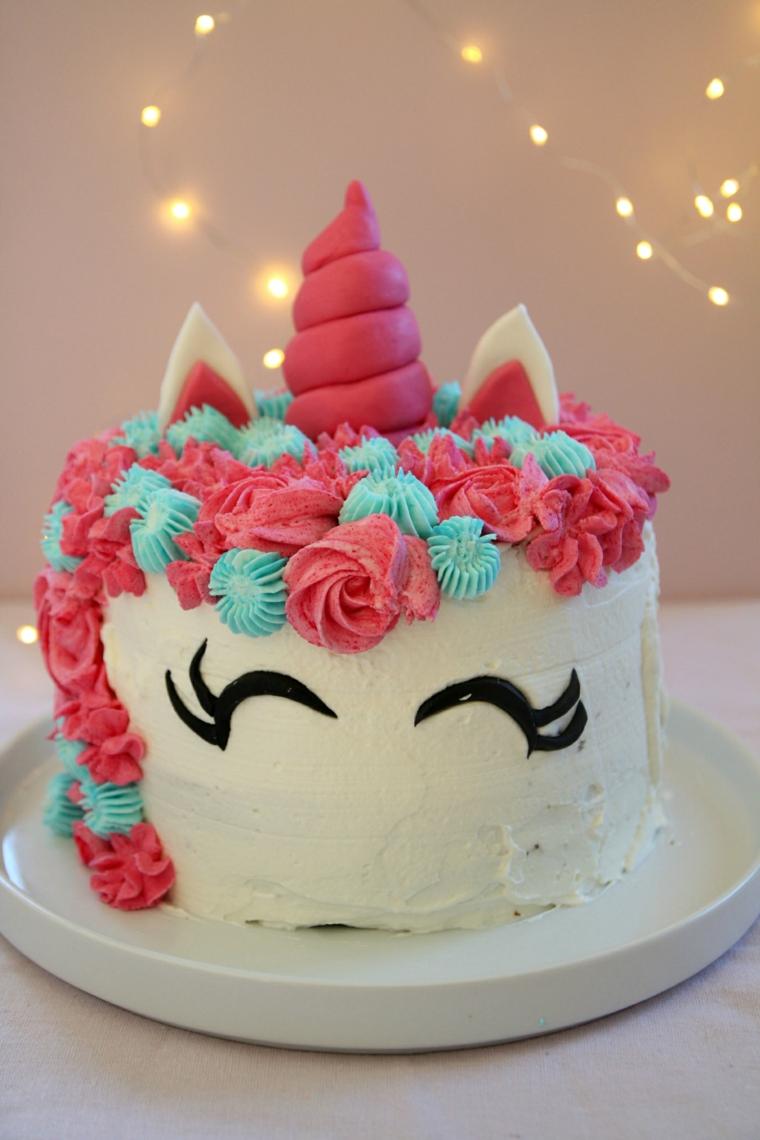 Immagini di torte bellissime, torta con unicorno, decorazioni con pasta di zucchero
